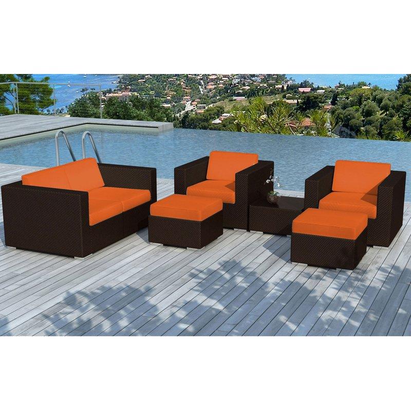 Salon de jardin en résine tréssée marron coussins oranges ...